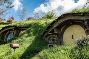 Review: The Messiah Comes to Middle Earth
